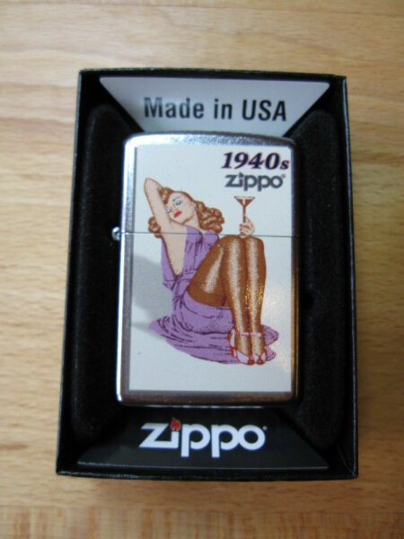 Zippo Pin-up Girl 1940s Rockabilly Nose Art Urban Style US Army V8 Wk2 WWII OVP