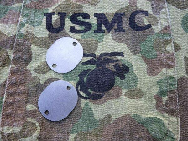 1p USMC USN US Navy Dog Tag Blanc ID Disks Name Erkennungsmarke VMF-214 WK2 WWII